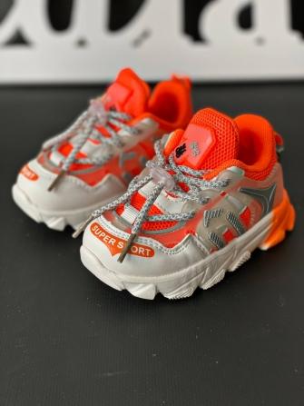 Кроссовки на шнурке (бело-оранжевые)