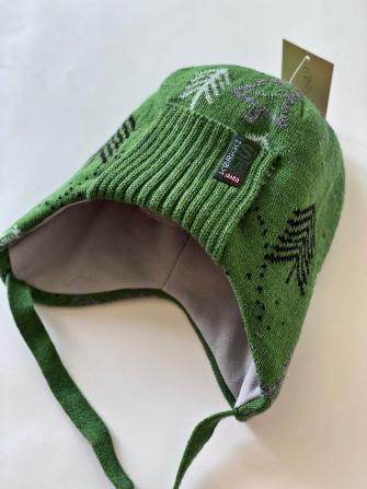 Шапка зимняя трехслойная с завязками Цвет: зеленый